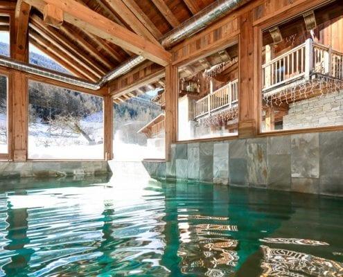 Loup Blanc swimming pool