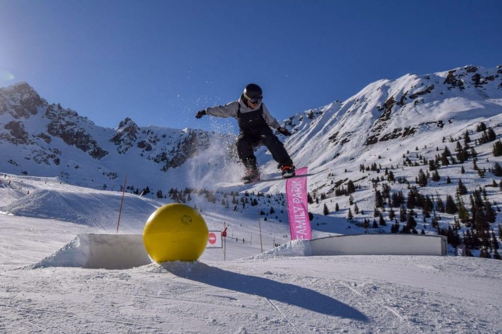 Ski season jobs Three Valleys